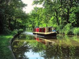 UK Canal Boating: The fast way to enjoy the slow life